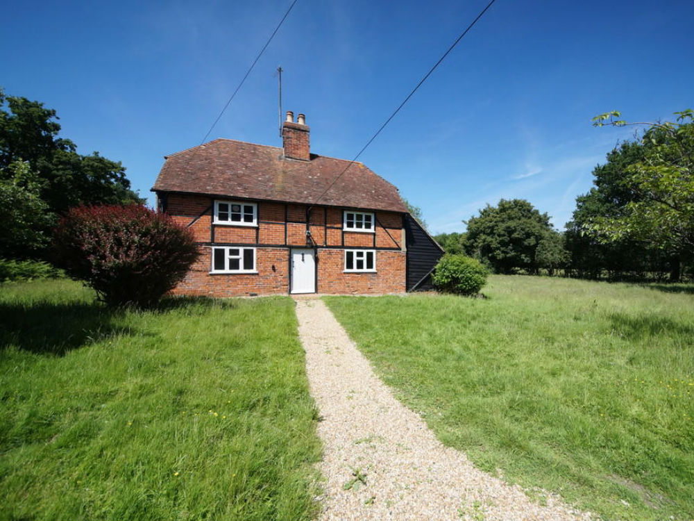 Beautiful Character 3 bedroom detached house for sale