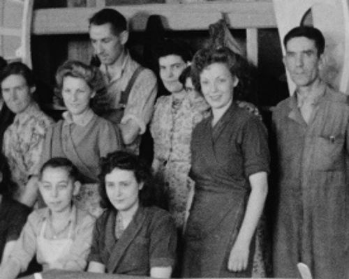 Archive photo of Elliott's of Newbury factory workers during World War II