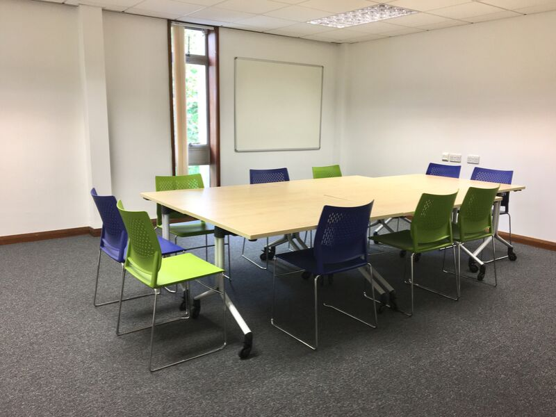 Farnborough Library Learning Zone 2