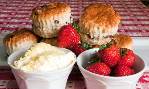 scones, clotted cream and strawberry