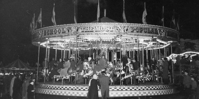 Whitelegg's gallopers, Southampton Common 1958