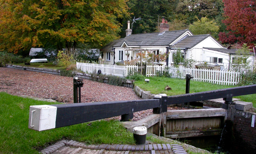 Deep Cut lock and cottage