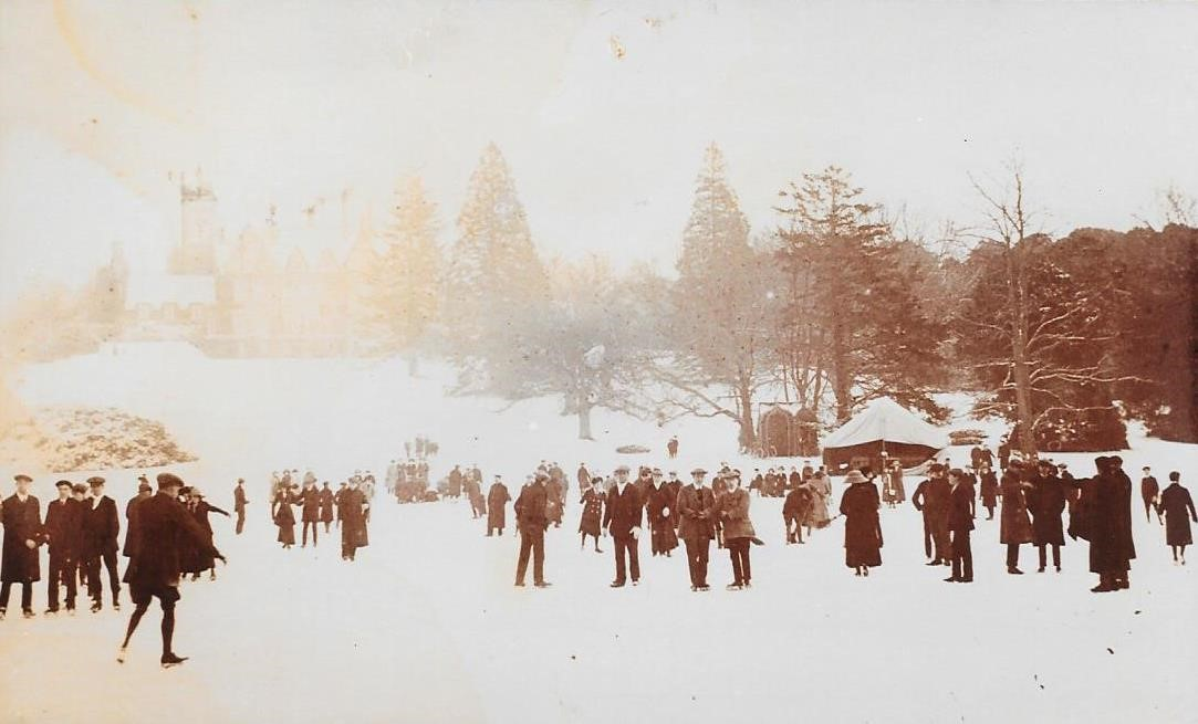 Staunton - people skating on lake in 1909 large